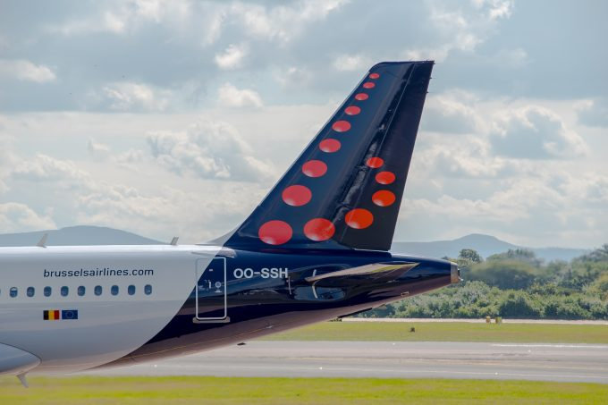 craig-russell-brussels-airlines_58090871