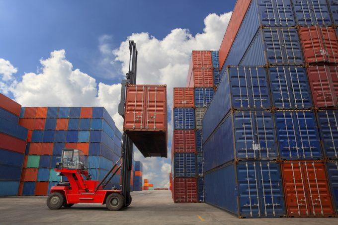 © Nattanan726 laem chabang port containers