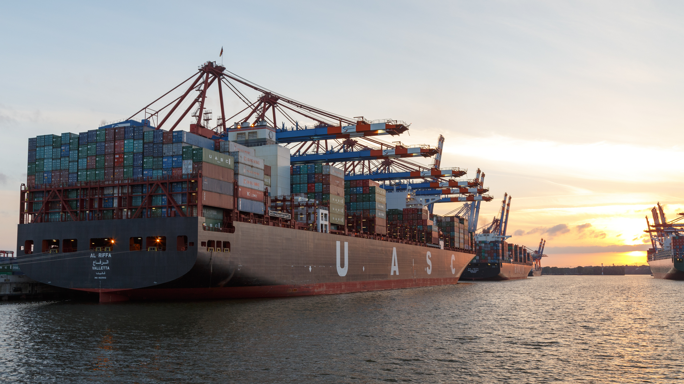 German shipping group Hapag Lloyd completes merger with Arab peer UASC