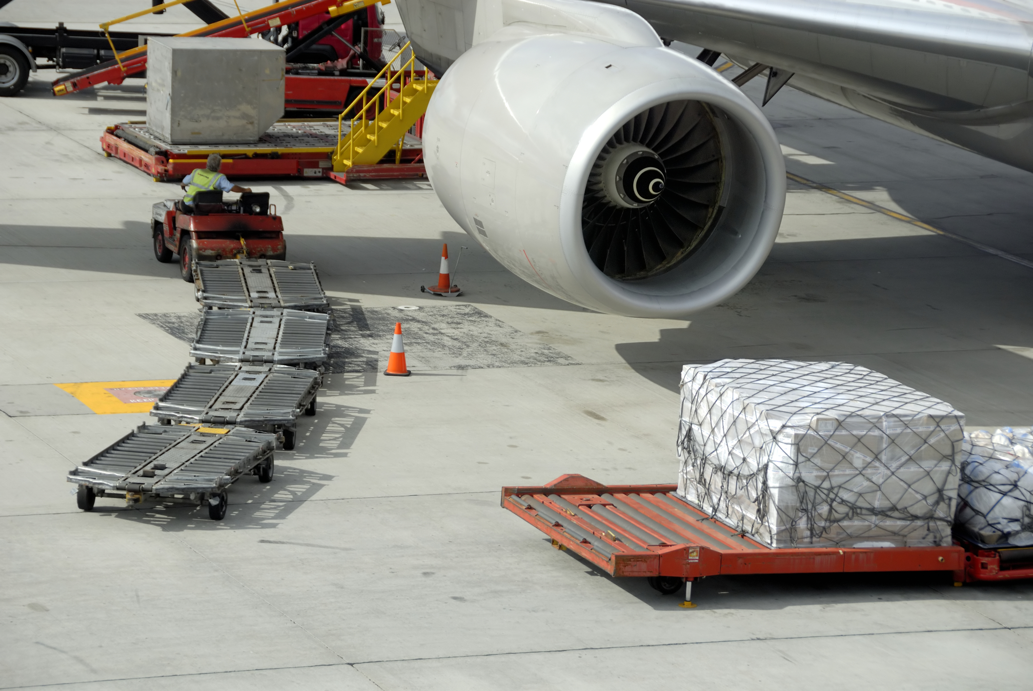 air cargo robert-paul-van-beets-_4803377