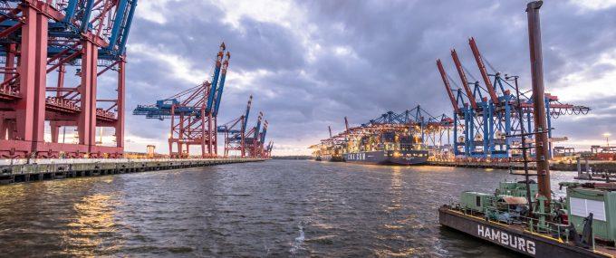 © Thomas Lukassek container port hamburg