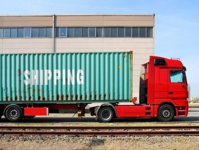 © Ulrich Mueller cosco box container lorry