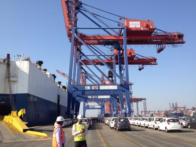 160205   APM Terminals Pipavav hosts port call of IDM Symex as first cabotage vessel (3)