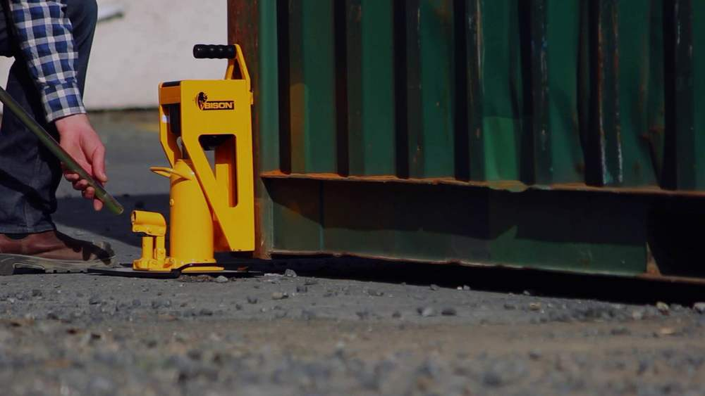 40 Shipping Container >> Kiwi brothers invent a portable container weighing scale ...