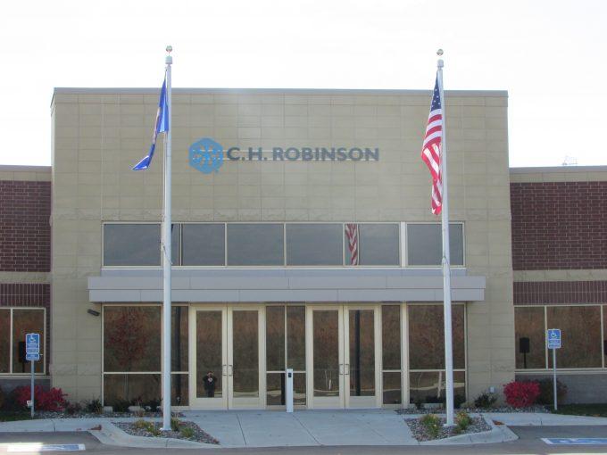 C.H._Robinson_HQ_entrance