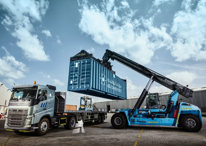 Abu Dhabi Ports - MICCO - Container Lift