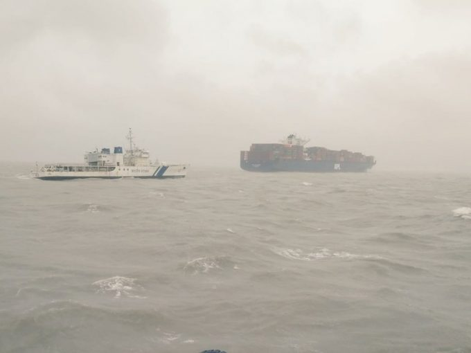 APL Le Havre - assisted by Indian Coastguard