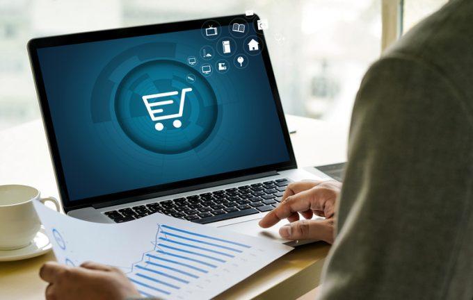 Business people use Technology Ecommerce Internet Global Marketi