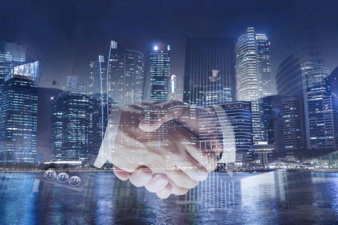handshake dreamstime_s_113658209
