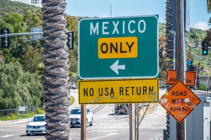 Mexican Border © Erik Lattwein