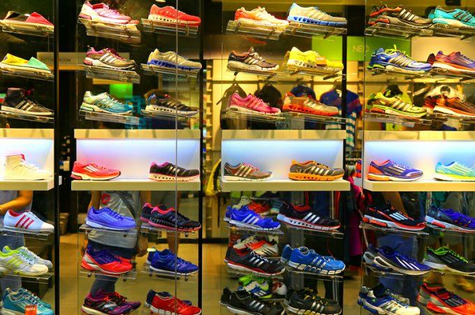 adidas  © Pindiyath100