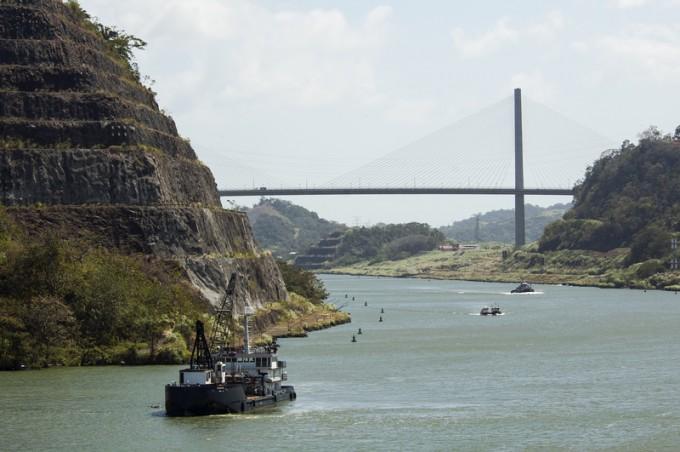 Tug on the Panama Canal