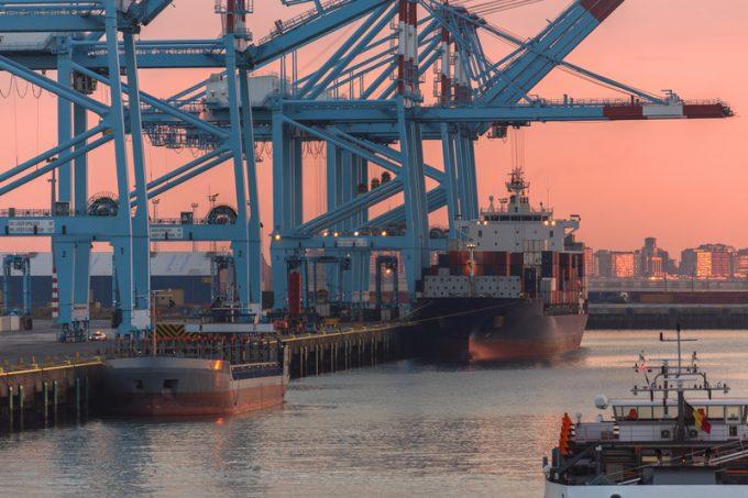 Cosco launches move to make Zeebrugge its North European hub