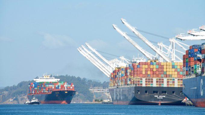 Container ship Navarino