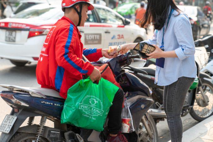 vietnam motorbike delivery