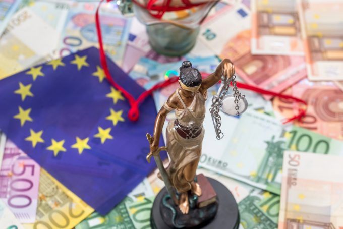 eu law money © Roman Romaniuk |