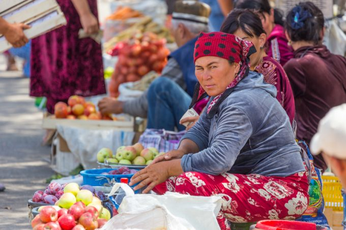 fruit uzbekistan© Nicola Messana