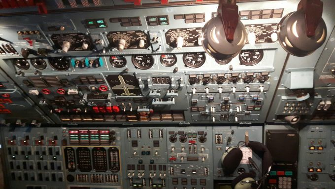 inside V-D's AN124