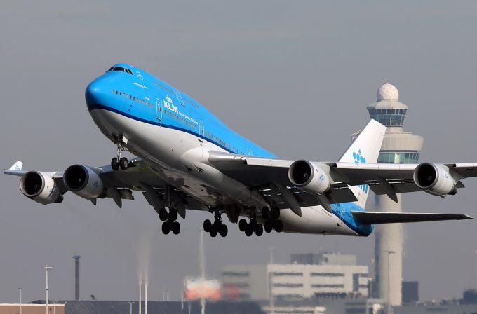 KLM 747-406 Combi take off AMS