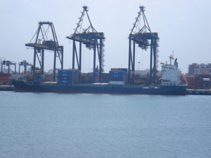 Port_of_Chennai,_India_-_panoramio