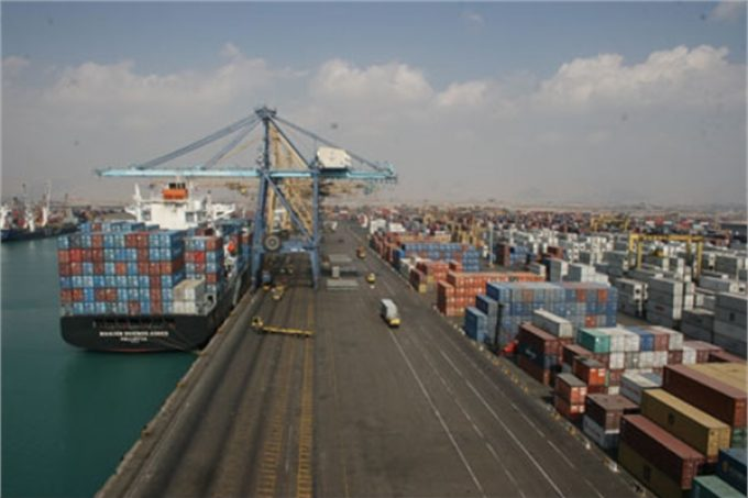 Loading and Unloading More Than 724000 TEU of Container in Shahid Rajaee Port