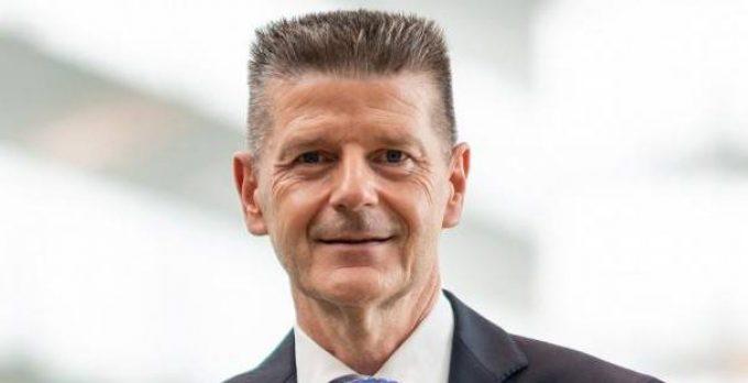 Swissport_Dirk Goovaerts low