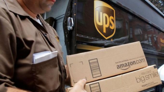 ups-truck-man-boxes