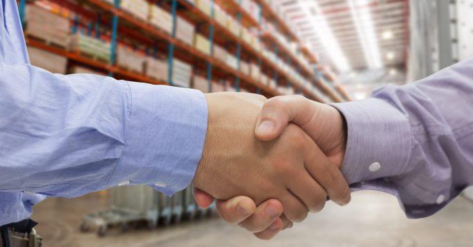 warehouse deal.© Wave Break Media Ltd jpg